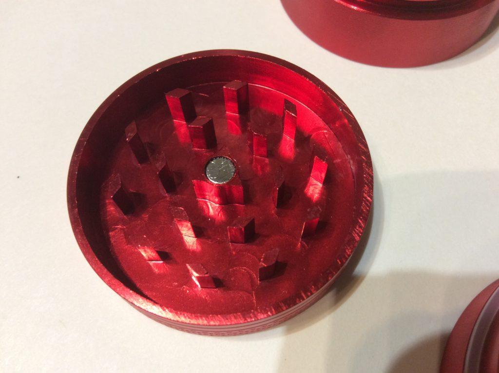 detail black leaf grinder