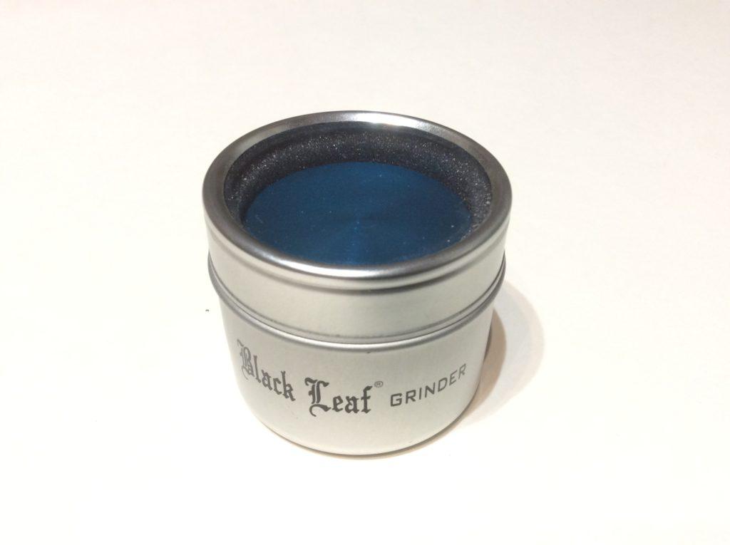 grinder black leaf bleu