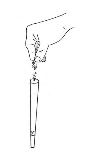 main qui remplie un cone A