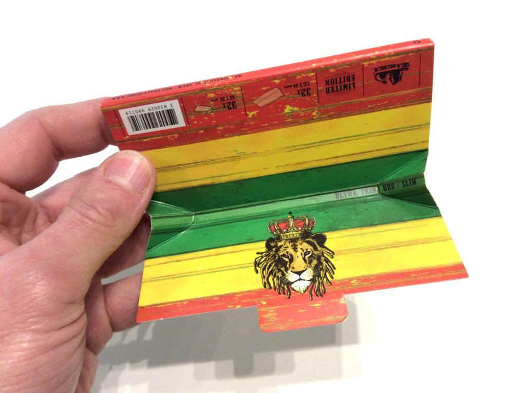 paquet de feuilles avec melangeur