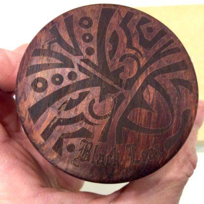 Motif Maori et logo Black Leaf